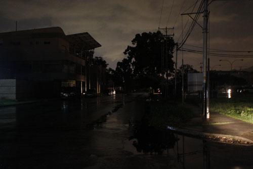 Protestan por constantes cortes de electricidad en el Tres de Febrero