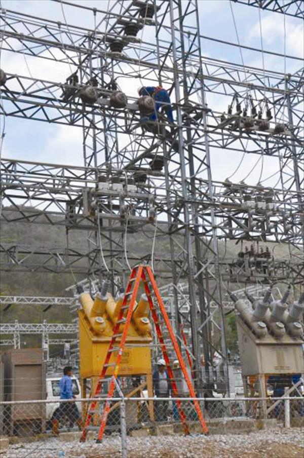 Patiño: Sistema eléctrico nacional está cada vez peor