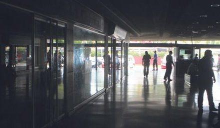 Racionamiento eléctrico en Zulia obliga a comerciantes a reducir personal