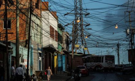 The New York Times: Paso a paso, Venezuela se ha paralizado