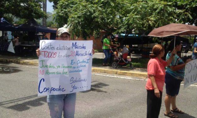 Dos días sin luz: Vecinos de Las Quintas de Naguanagua protestan