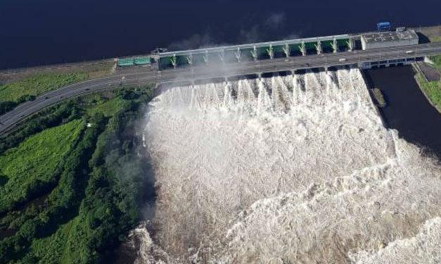 Expertos eléctricos alertan que alivio indebido de Guri deterioró compuertas y aumentó riesgo de inundaciones