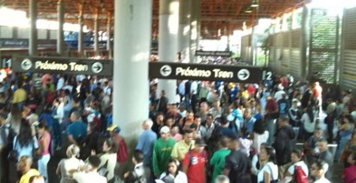 Falla eléctrica causó caos en la Línea 2 del Metro